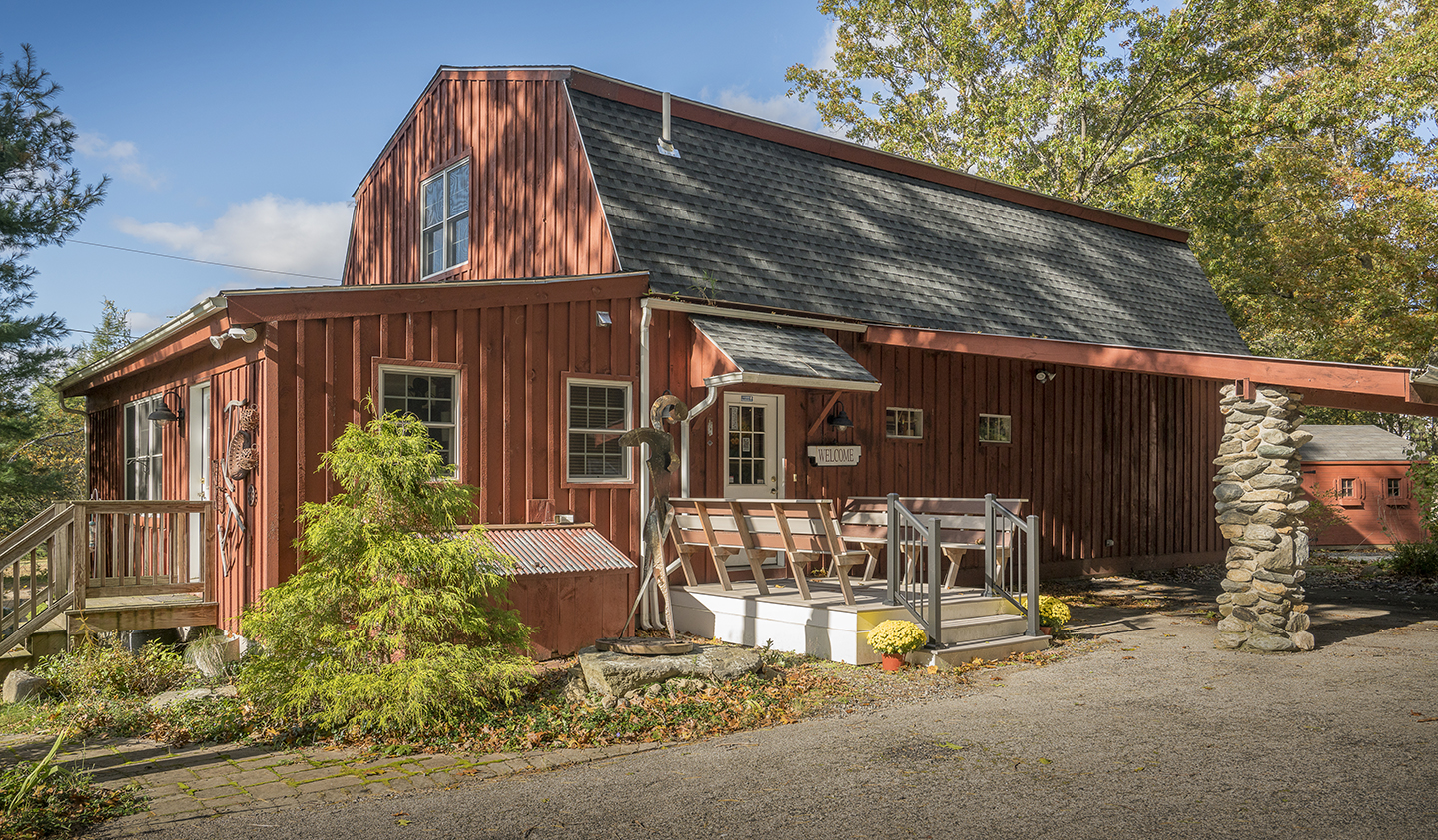 Complements Art Gallery Barn